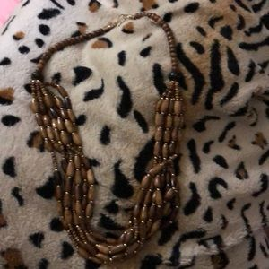 Jewelry - Brown bead necklace